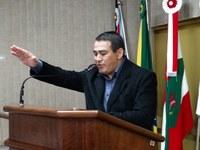 """""""Farei o máximo para honrar os votos recebidos"""", diz Adinor da Silva ao assumir vaga na Câmara"""