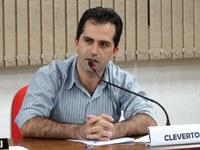 """""""Foi promessa de campanha do prefeito"""", lembra Cleverton sobre aterro em estrada da Anta Gorda"""