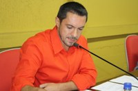 """""""Verbas para este fim nunca entraram no caixa da prefeitura"""", diz Renato Pike sobre asfaltamento da Rua Sérgio Gapski"""