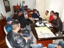 Asfaltamento de ruas está entre as prioridades apresentadas durante encontro com o prefeito