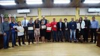 Ganhadores do 1º Campeonato do Dogão recebem premiação na Câmara de Vereadores