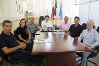 Presidente da Câmara de Vereadores Paulinho Basílio recebe visita de representantes da Pif Paf Alimentos