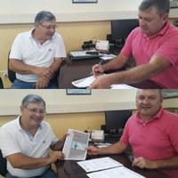 Presidente da Câmara de Vereadores recebe relatório da Ouvidoria Municipal