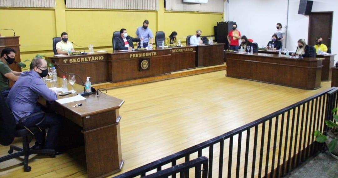 Sessão Ordinária da Semana da Pátria, Vereadores pedem melhorias nos bairros, informações sobre Covid, limpezas, lombadas e melhorias na sinalização viária