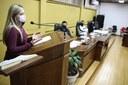 Vereadora Juliana Maciel defende direito do consumidor idoso durante sessão